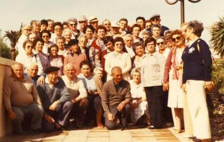 foyer-1971-un-des-1er-voyages-des-seniors